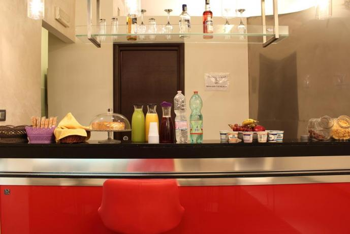 Hotel con Bar e Reception 24h-24h a Rotonda