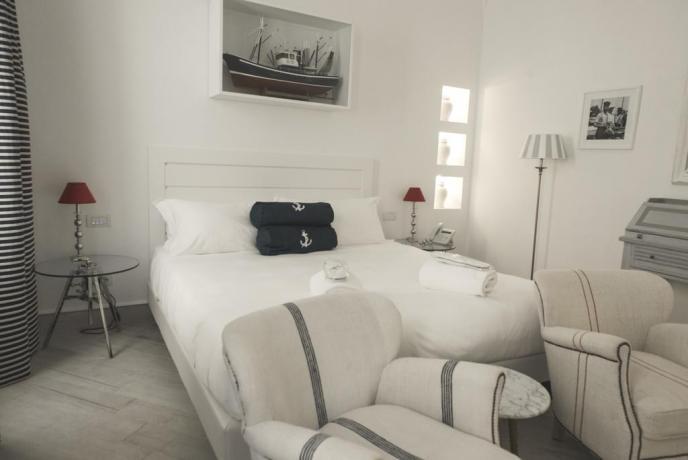 Hotel Finale Ligure Suite letto matrimoniale