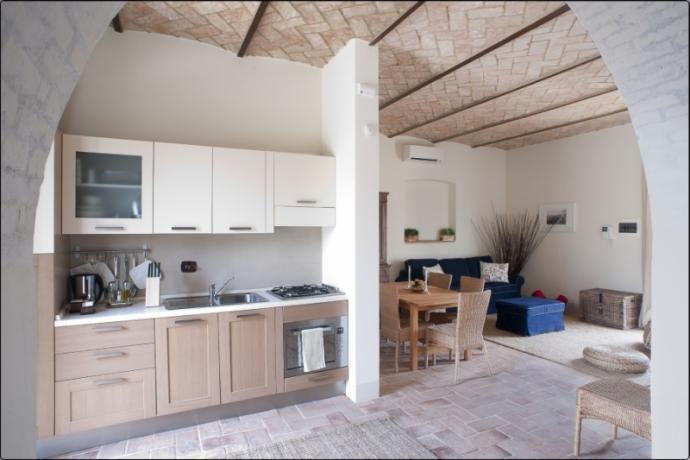 Casale Foligno piano cottura salone + divano letto