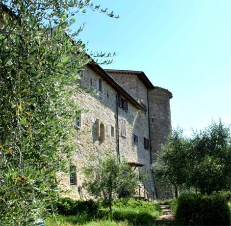 Appartamenti Vacanza Assisi in Castello medievale con camino