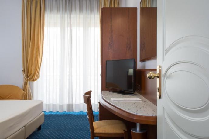 Camera matrimoniale Hotel Rende, vicino mare e montagna