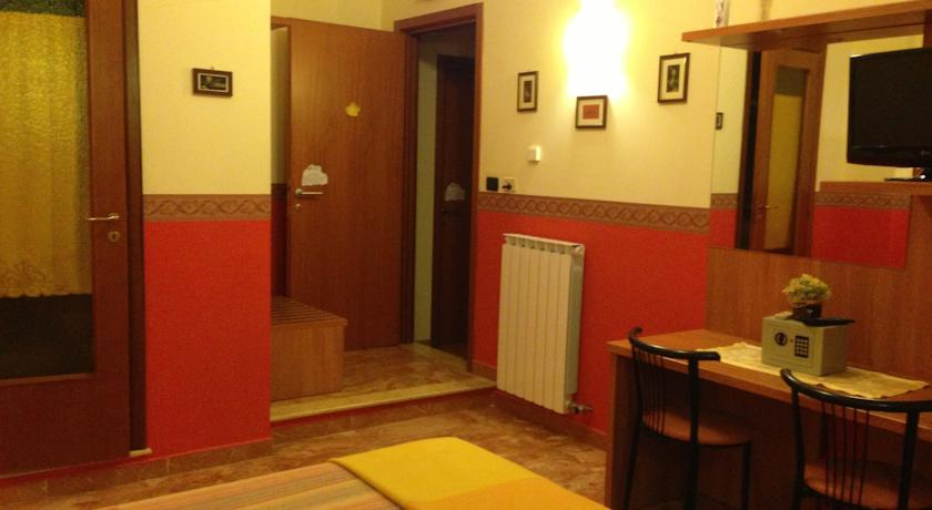 Camere spaziose con servizi privati Lecce