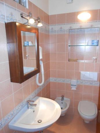 Bagno, appartamento vacanza, vicino Assisi, ideale per famiglie