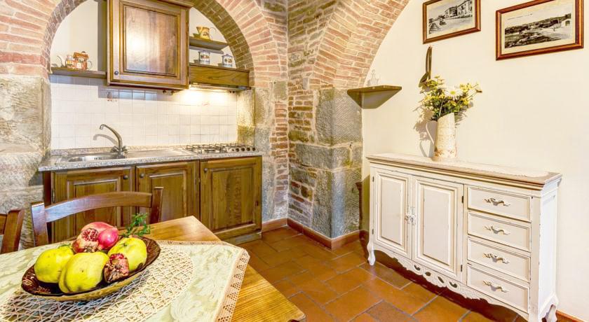 Cucina accogliente e spaziosa nell'Appartamento in Agriturismo