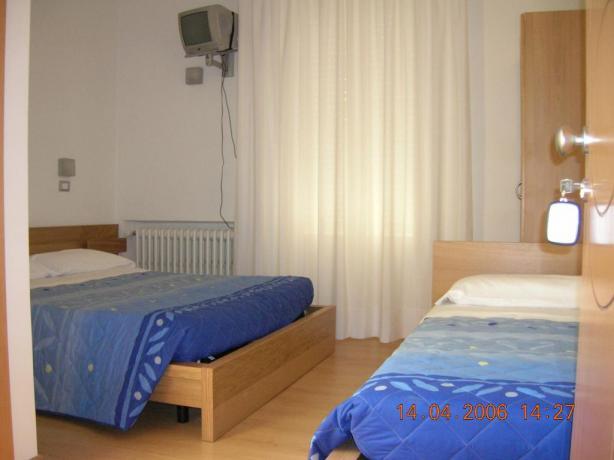 Camera Singola Senigallia con Tv e Bagno Privato