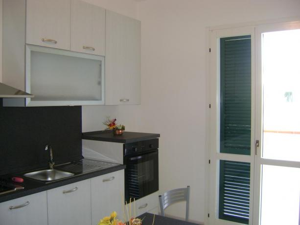 Appartamenti con angolo cucina e balcone in Puglia