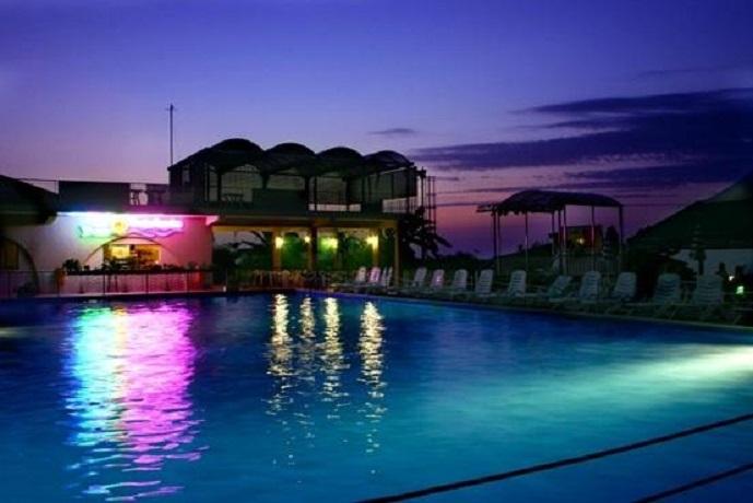 Residence a Tropea con Piscina con illuminata