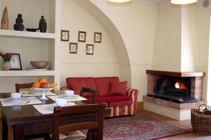 Agriturismo con Appartamento e Camino vicino Terni
