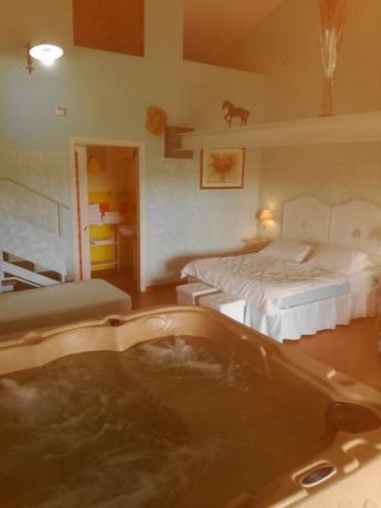 Jacuzi in Appartamenti Vacanza con Piscina: I Cavalli
