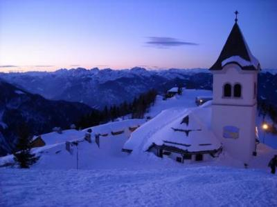 Hotels, Pensions and B&B Near the Skislopes