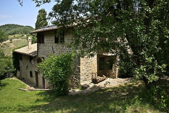 Appartamenti vicino Assisi con Giardino Piscina Barbecue