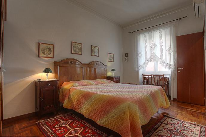 Camera Cortile stile rustico B&B a Roma