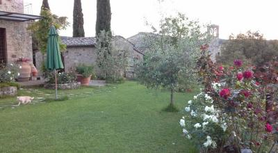 Casale con parco antico borgo toscano