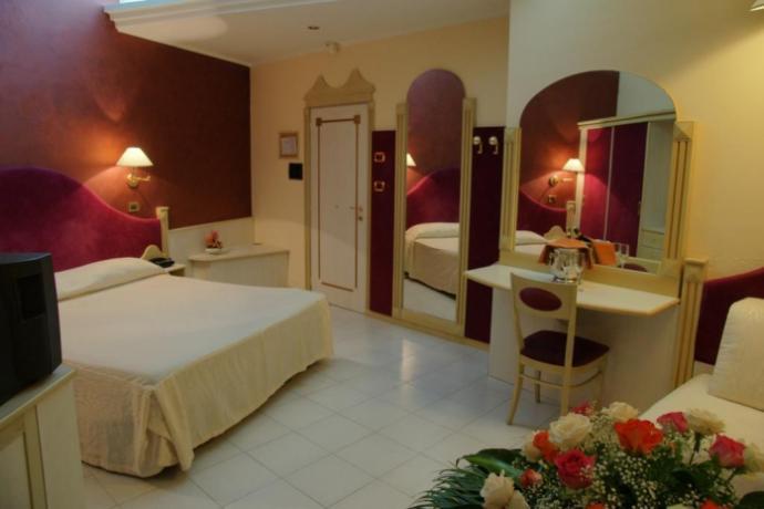 Camera in Hotel4stelle con Parcheggio-Privato-Gratuito a Artena-Lucana