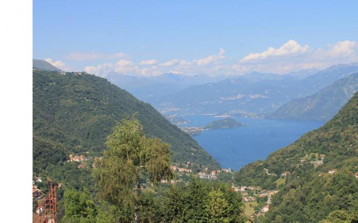 zoca Strii con vista sul lago di como