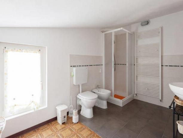 bagno n.2 in comune bed-and-breakfast Appennino-Parmense