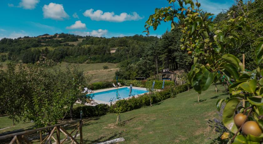 Piscina al residence ad Assisi