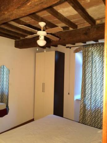 Camere matrimoniali con armadi a Perugia