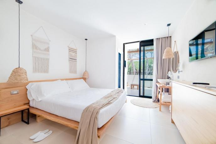 Balcone vista pineta camera matrimoniale albergo4stelle Baia-Domizia