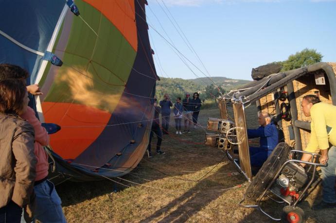 Pronti e via, voli in mongolfiera sopa l'Umbria