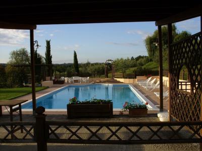 Vacanze in appartamento in agriturismo con piscina