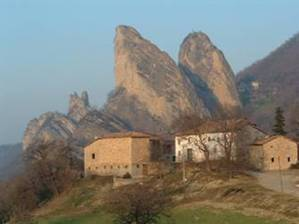 Stay near the Rocks of Saint Andrew, Italy