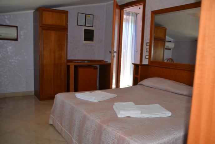 camera hotel vicino roma
