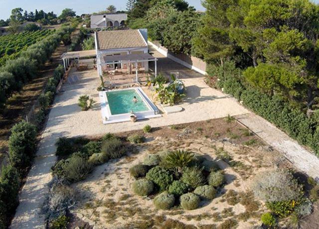 Villa con Piscina a Marinella di Selinunte