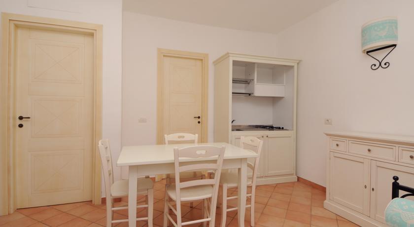 Zona giorno residence con appartamenti Vignola Mare
