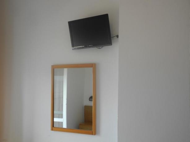 Albergo a Pesaro TV schermo piatto in camera