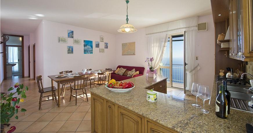 Appartamenti Vacanza arredati con cucina attrezzata