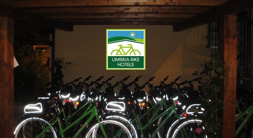 Noleggio biciclette, passeggiare per le vie di Assisi