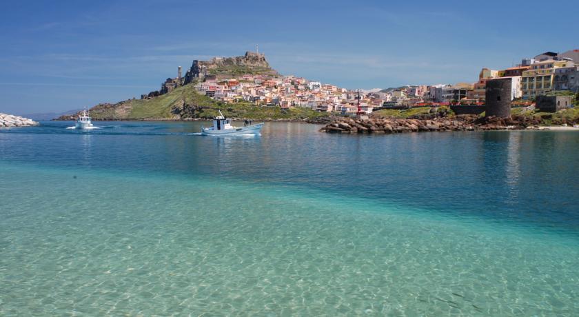 Hotel con 2 Spiagge Private a Castelsardo