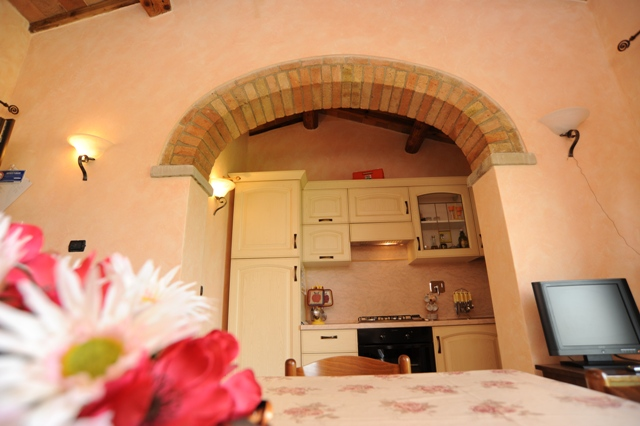 Cucina attrezzata appartamento Quercia Rossa