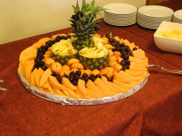 Buffet di frutta fresca albergo lungomare Pesaro