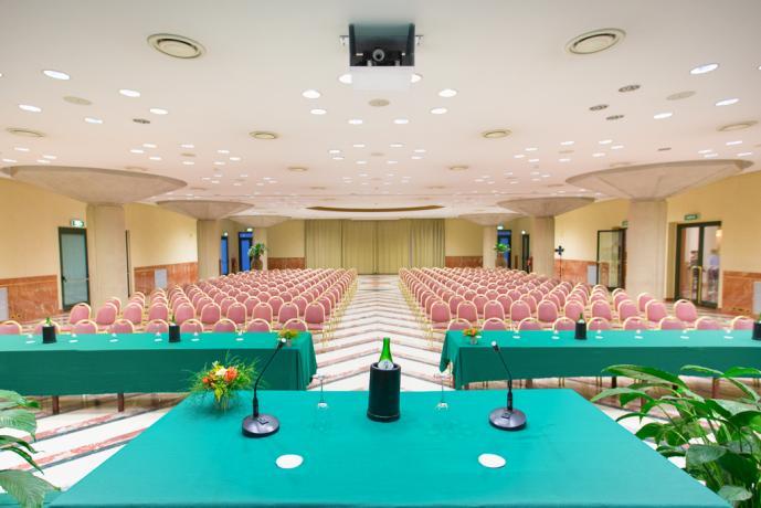 Hotel Rende 4stelle, sala congressi, ristorante, piscina