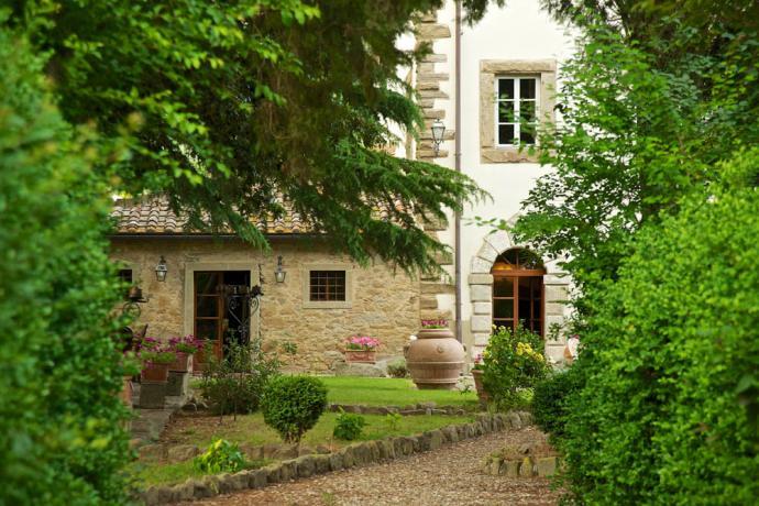 Villa Luxury Cortona giardino esterno