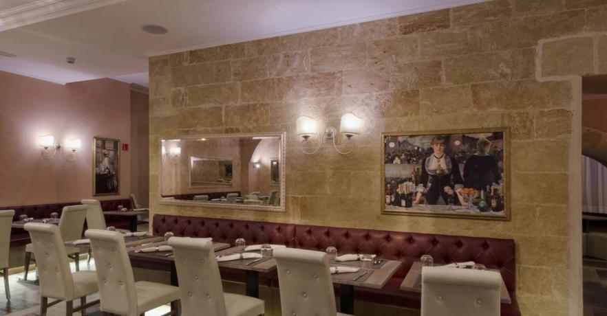 Ristorante con quadri albergo 4 stelle a Lecce