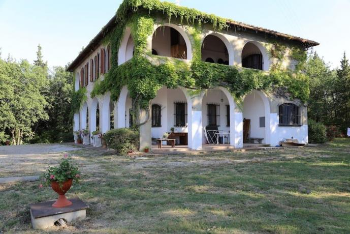 Villa vacanza con 4 camere 5 bagni Firenze