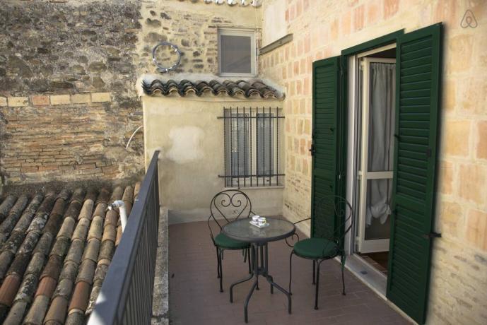 Casale rurale con terrazzo in Umbria Gualdo Cattaneo