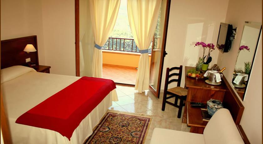 Camera Matrimoniale terrazzo e bagno privato vicino Cosenza