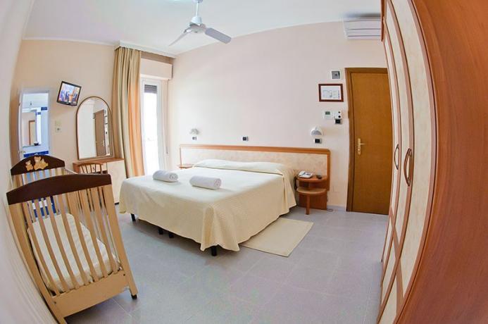 Hotel*** in Abruzzo, spiaggia privata, Camera matrimoniale, Wifi
