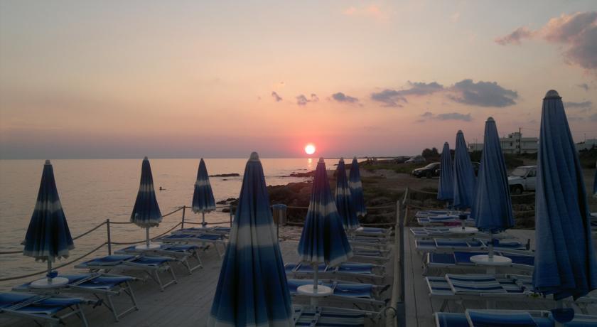 Resort nel Salento sulla Spiaggia con Piscina