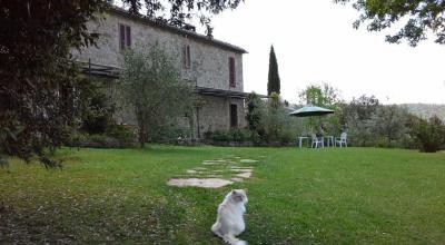 Casale con ampio giardino provincia di Siena