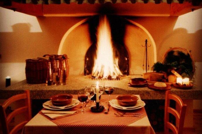 Agriturismo con ristorante e camino a Giustino