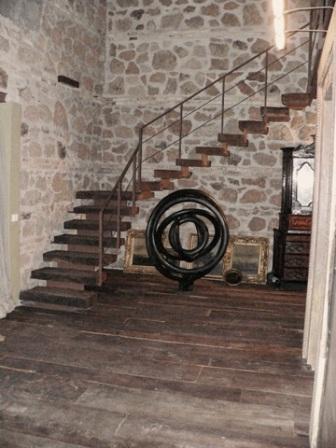 Pavimento e scala legno antico