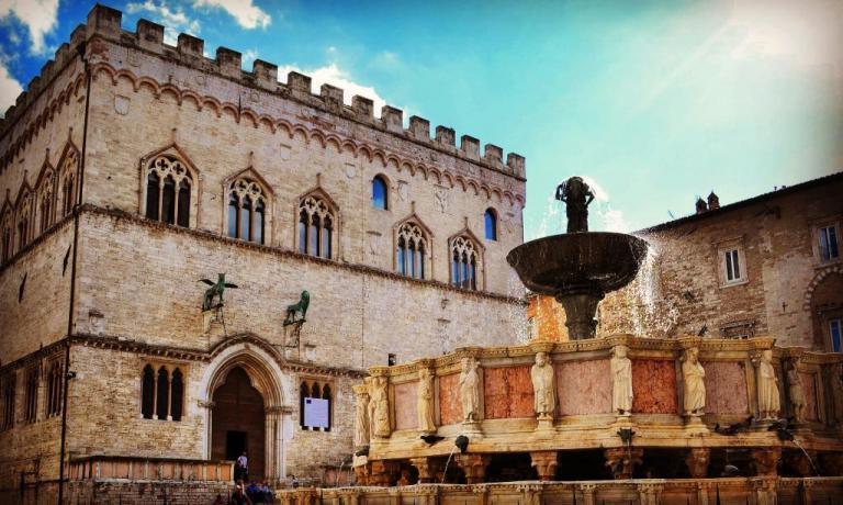 Casale con Ristorante ideale per visitare Perugia
