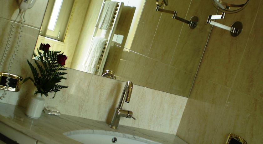 Camere bagno privato aria condizionata vicino Giulianova