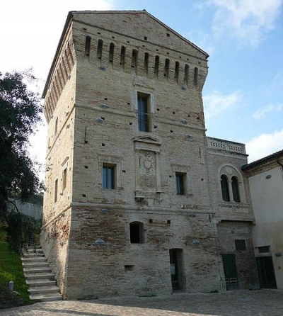 Stay near the tower of Martinsicuro, Abruzzo