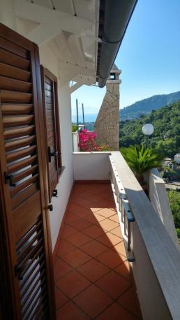 Relax balcone appartamento casa vacanze vicino Porto Ischia